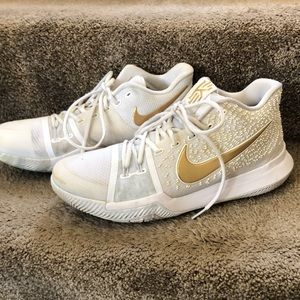 Men's Kyrie 3 basketball shoes  white/gold 11